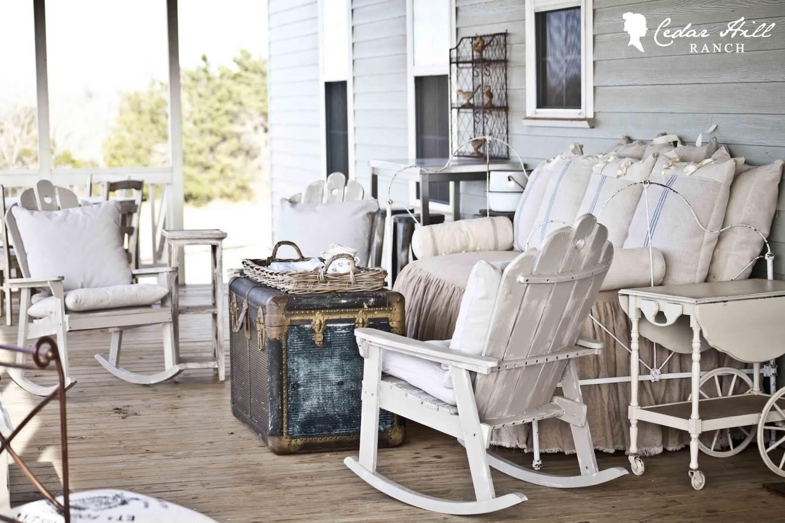 Vécu et vécu sur des meubles d'extérieur