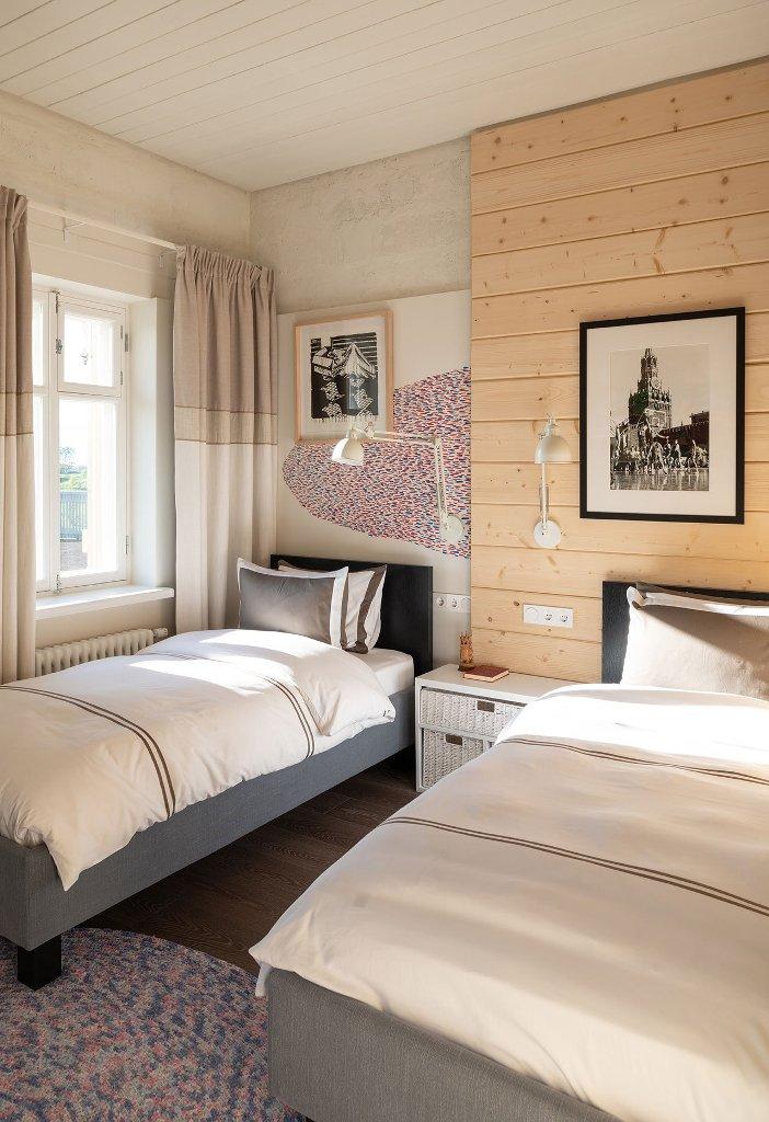 une conception de chambre d'amis petite mais confortable