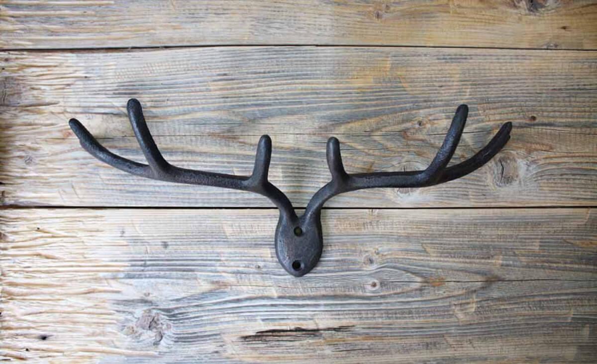 Porte-clés mural en bois de cerf