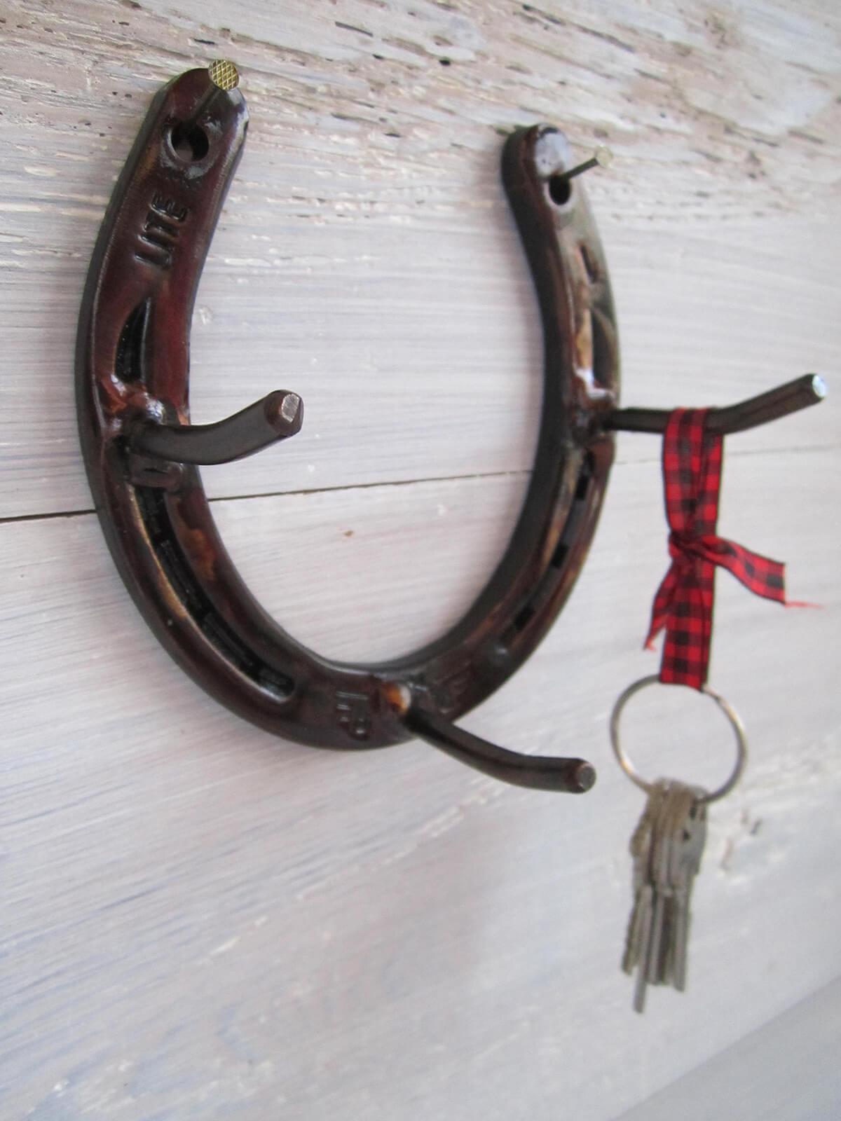Porte-clés rustique en fer à cheval