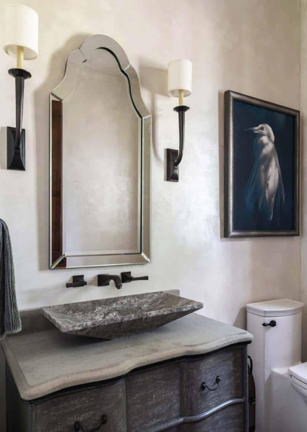 salle de bain au sommet d'une colline