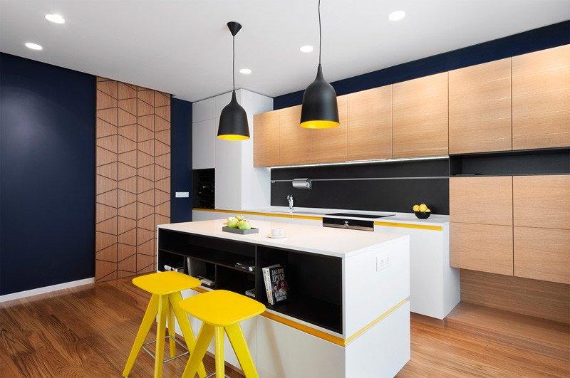 Couleurs de cuisine d'appartement jaune