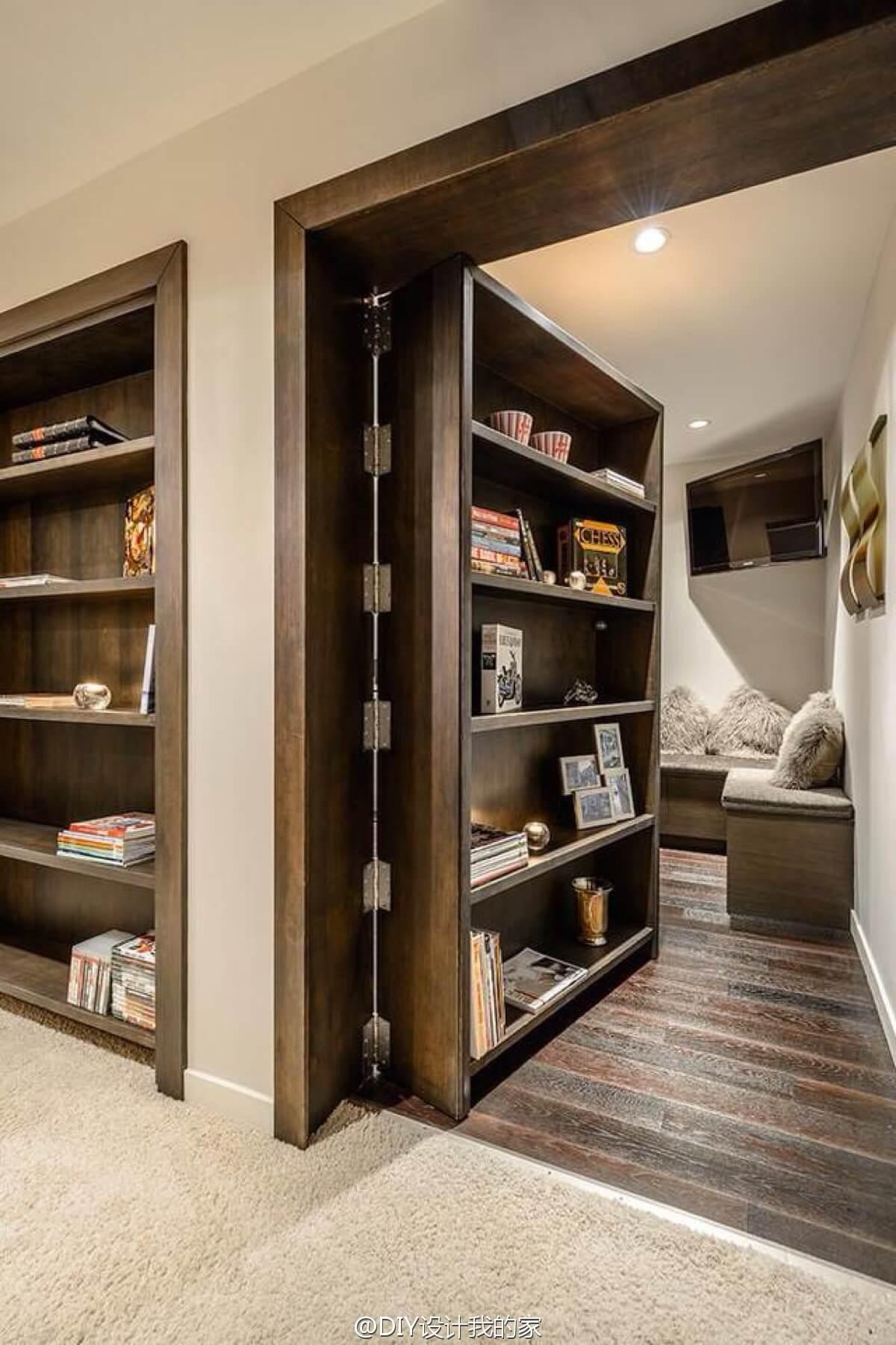 Porte de bibliothèque secrète pour pièce cachée