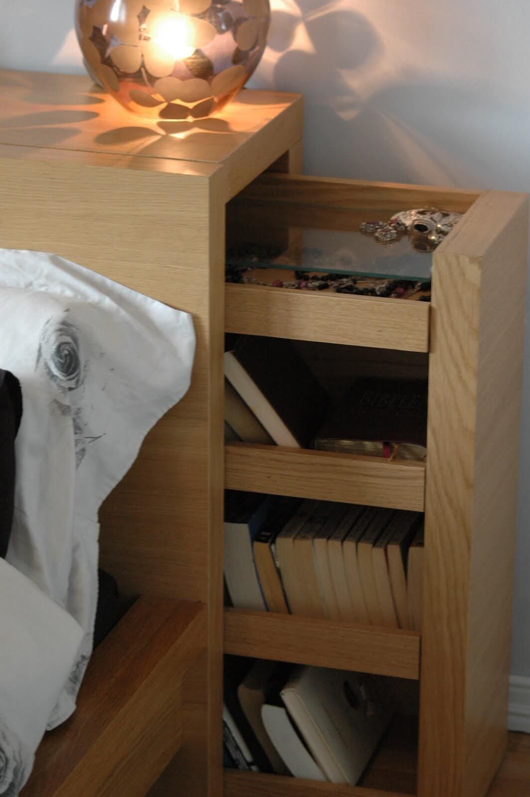 Rangement de tête de lit élégant et secret pour la chambre à coucher