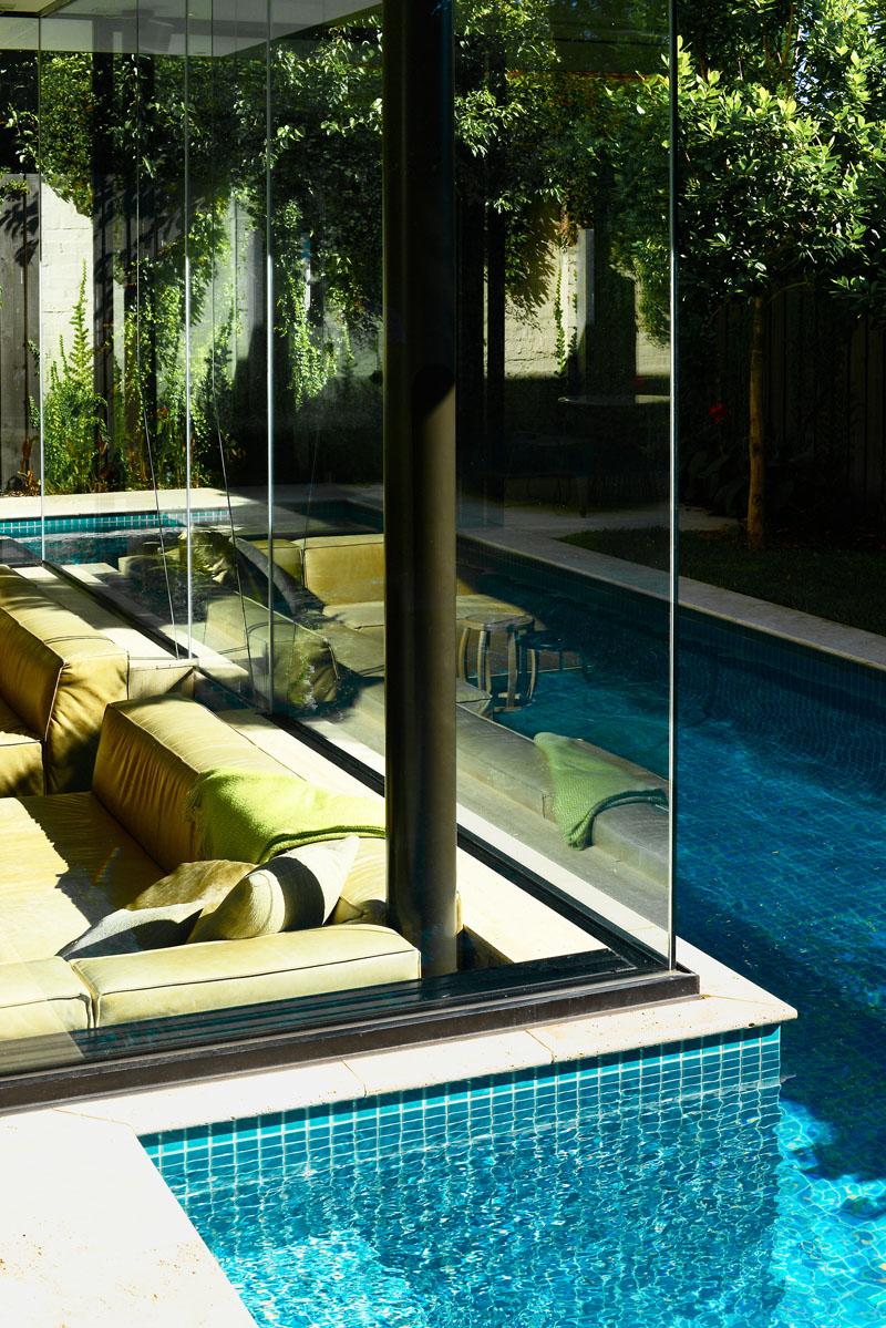 Tuiles Pool House