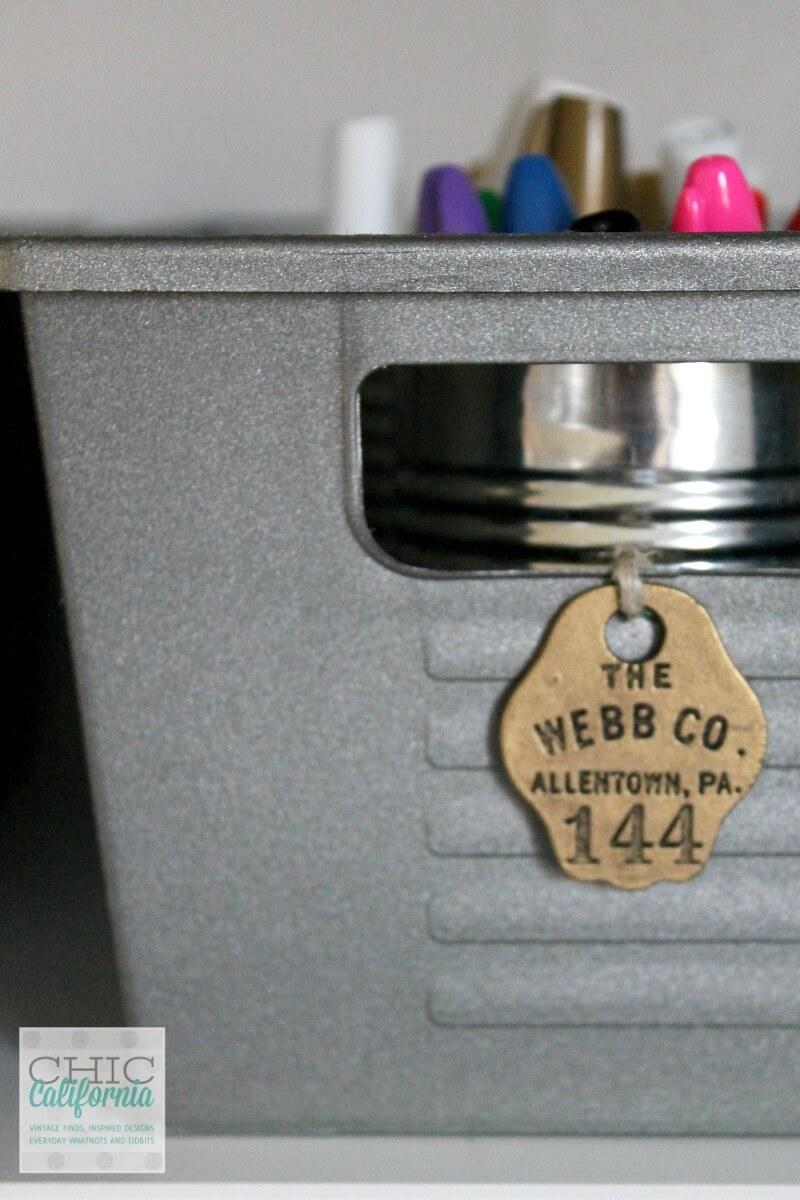 Bacs de rangement inspirés des casiers en faux métal
