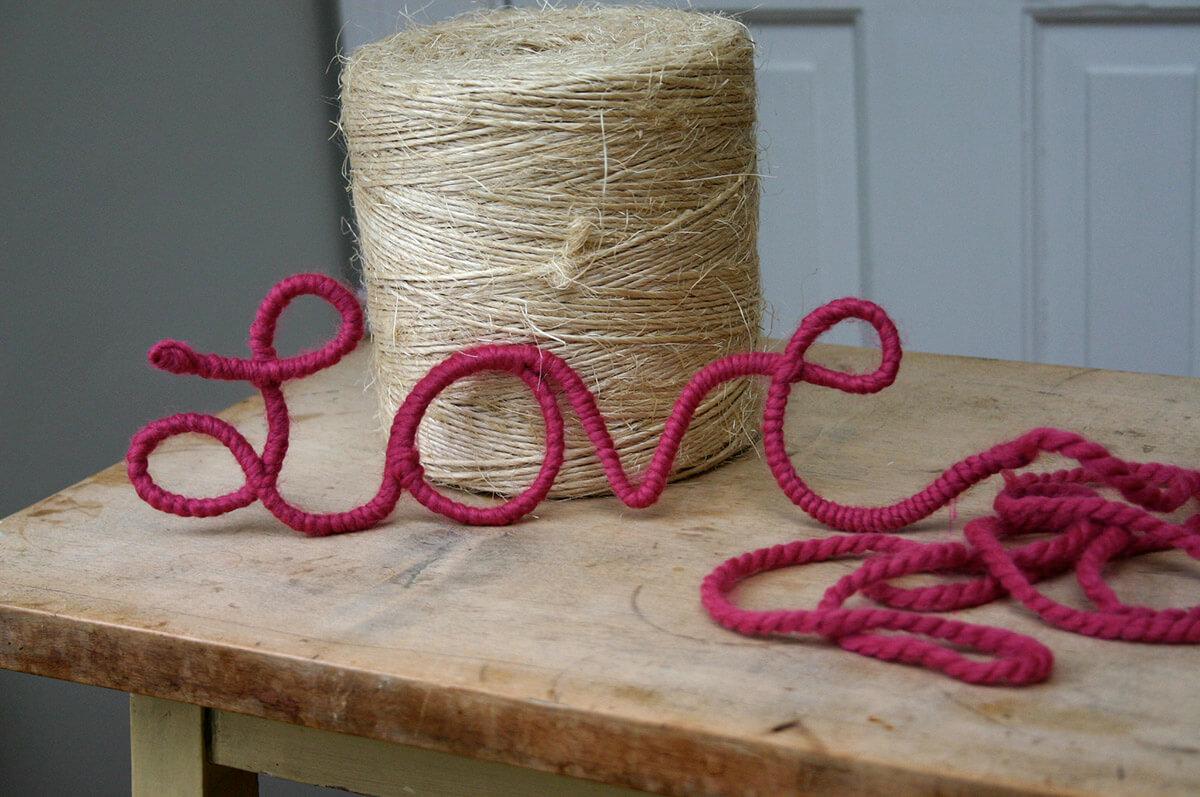 Art de mot enveloppé de fil doux et doux