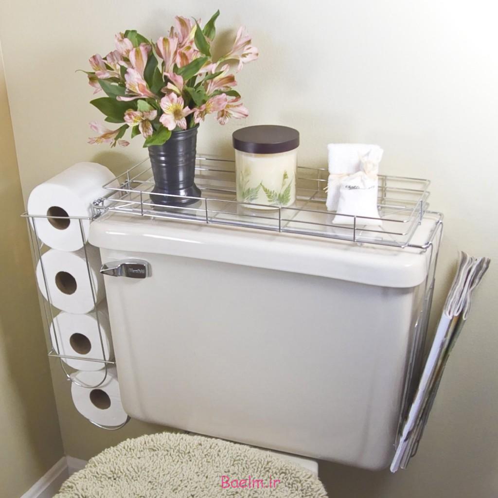 Support de rangement en fil métallique monté sur les toilettes