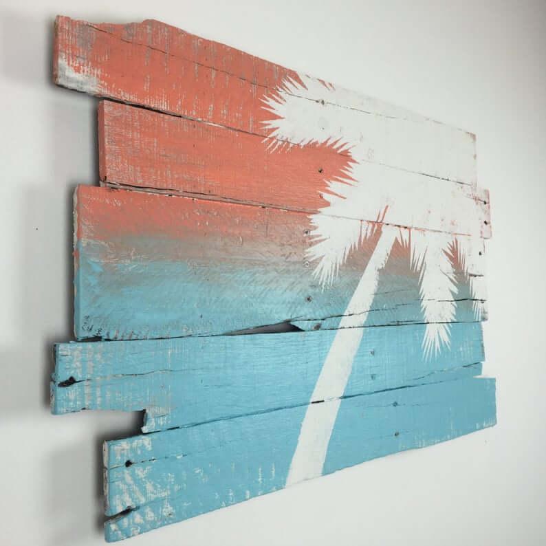 Art mural en bois de récupération de palmier peint