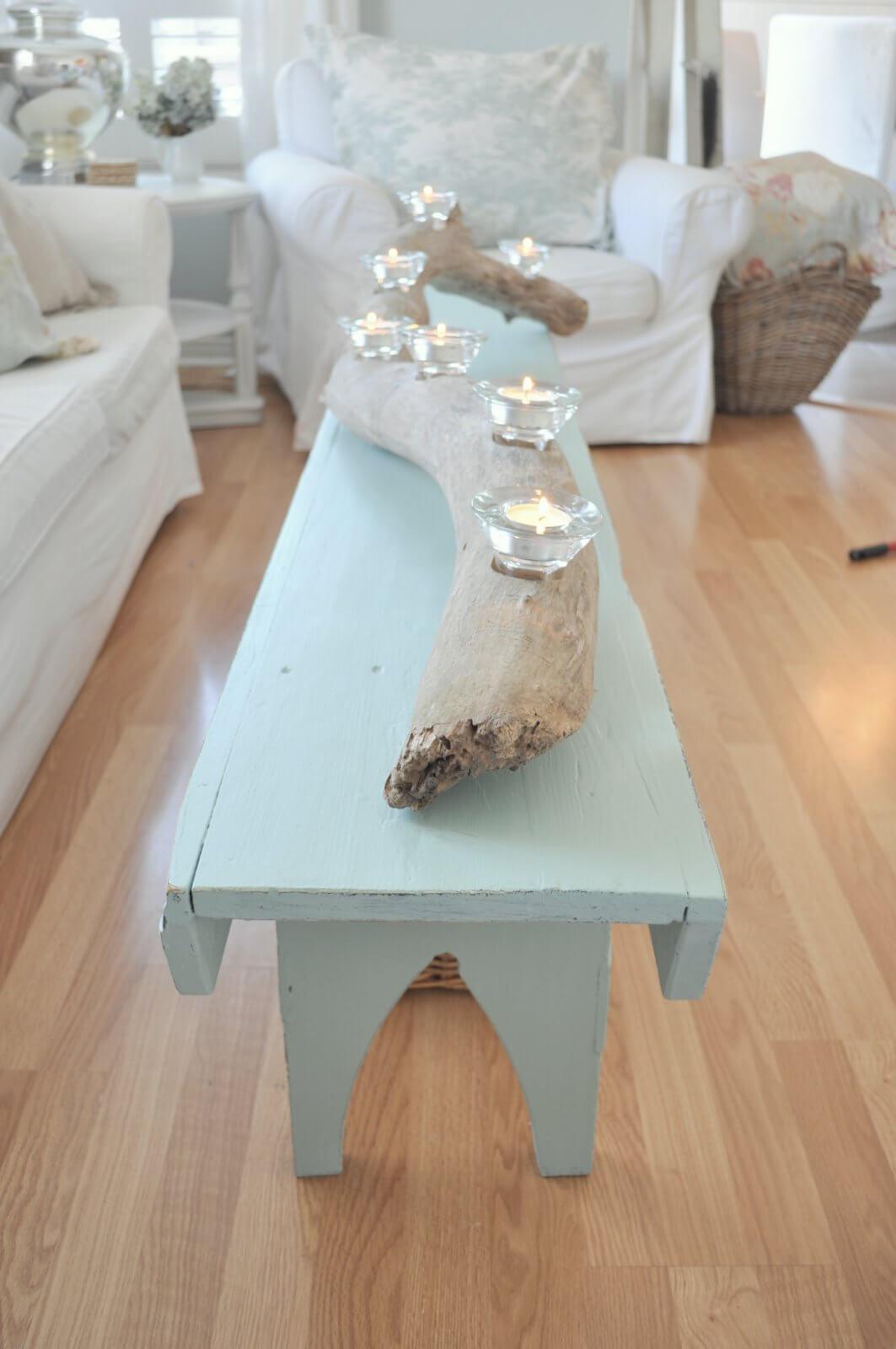 Table basse en bois flotté pour une maison de plage