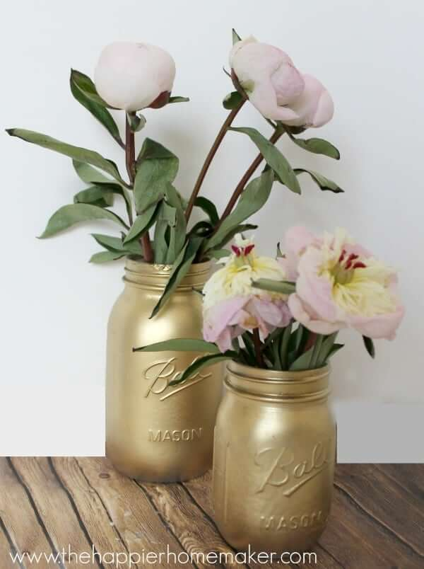 Vases en pot Mason en or peint à la bombe