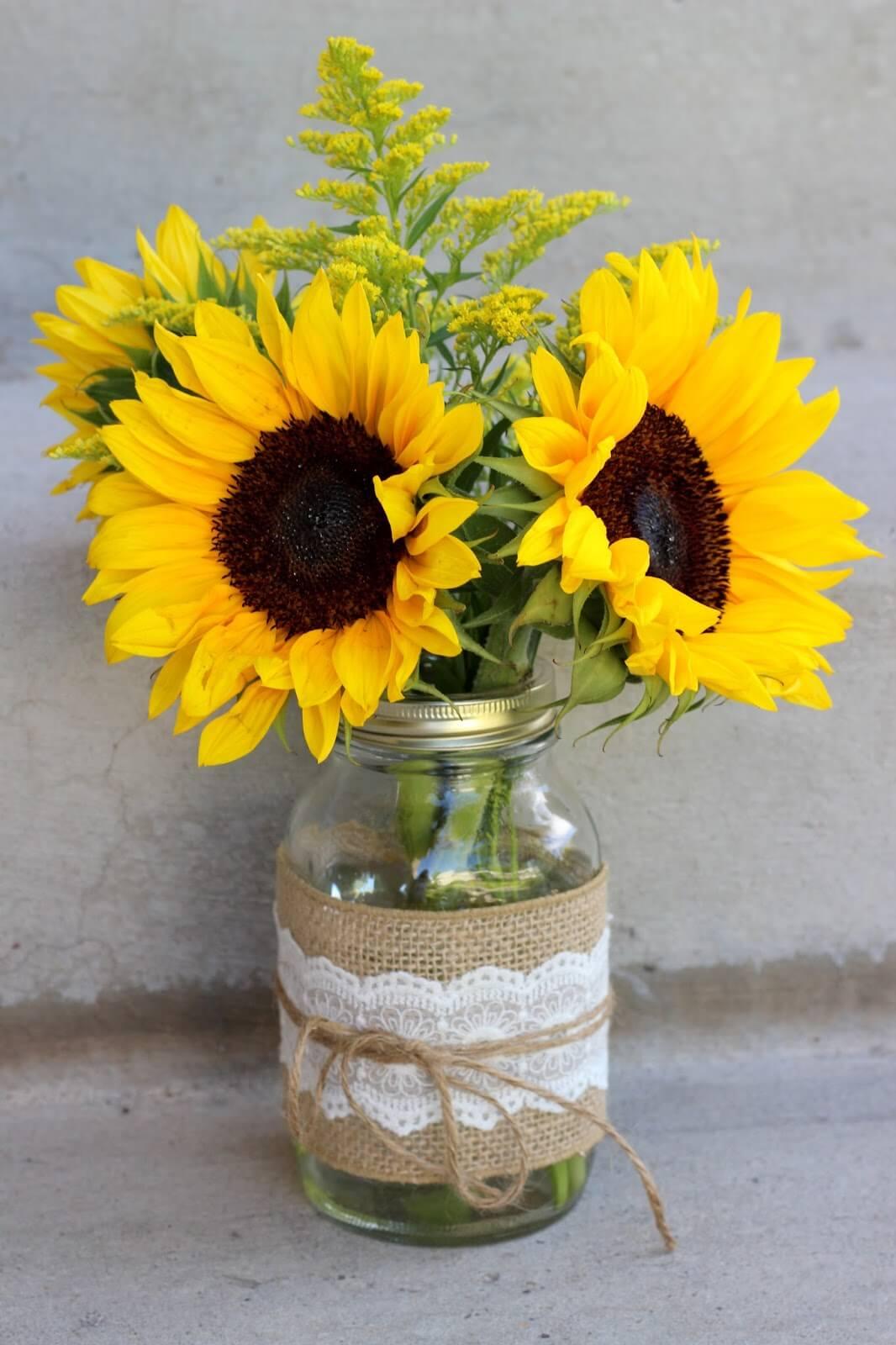 Vase Mason Jar en toile de jute et dentelle de tournesol