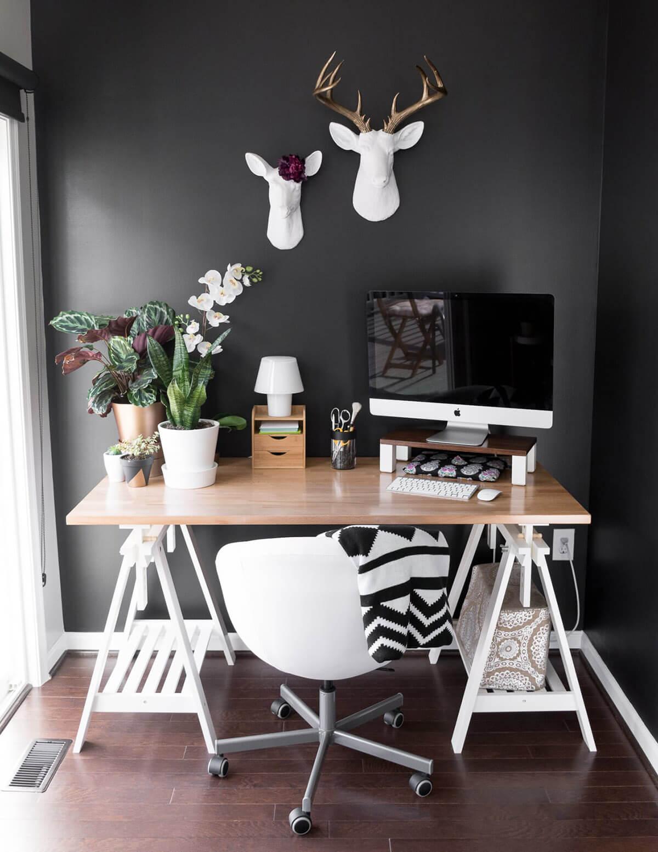 Cheval de scie blanc classique avec bureau de table en bois