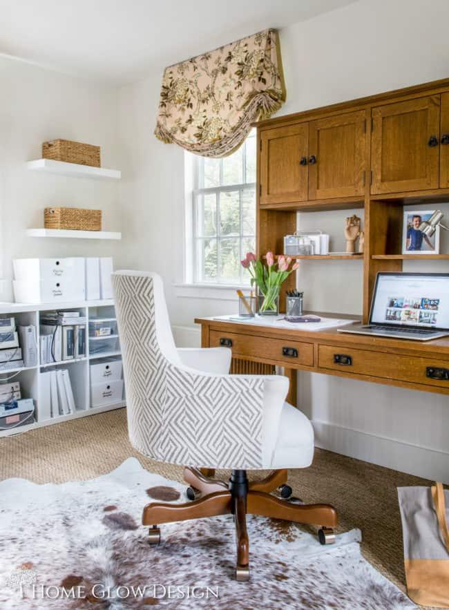 Grand bureau et huche de bureau à domicile en bois riche et chargé