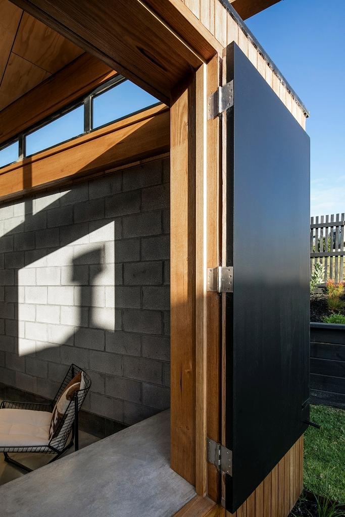 Tous les espaces peuvent être ouverts sur l'extérieur avec des portes - coulissantes et habituelles