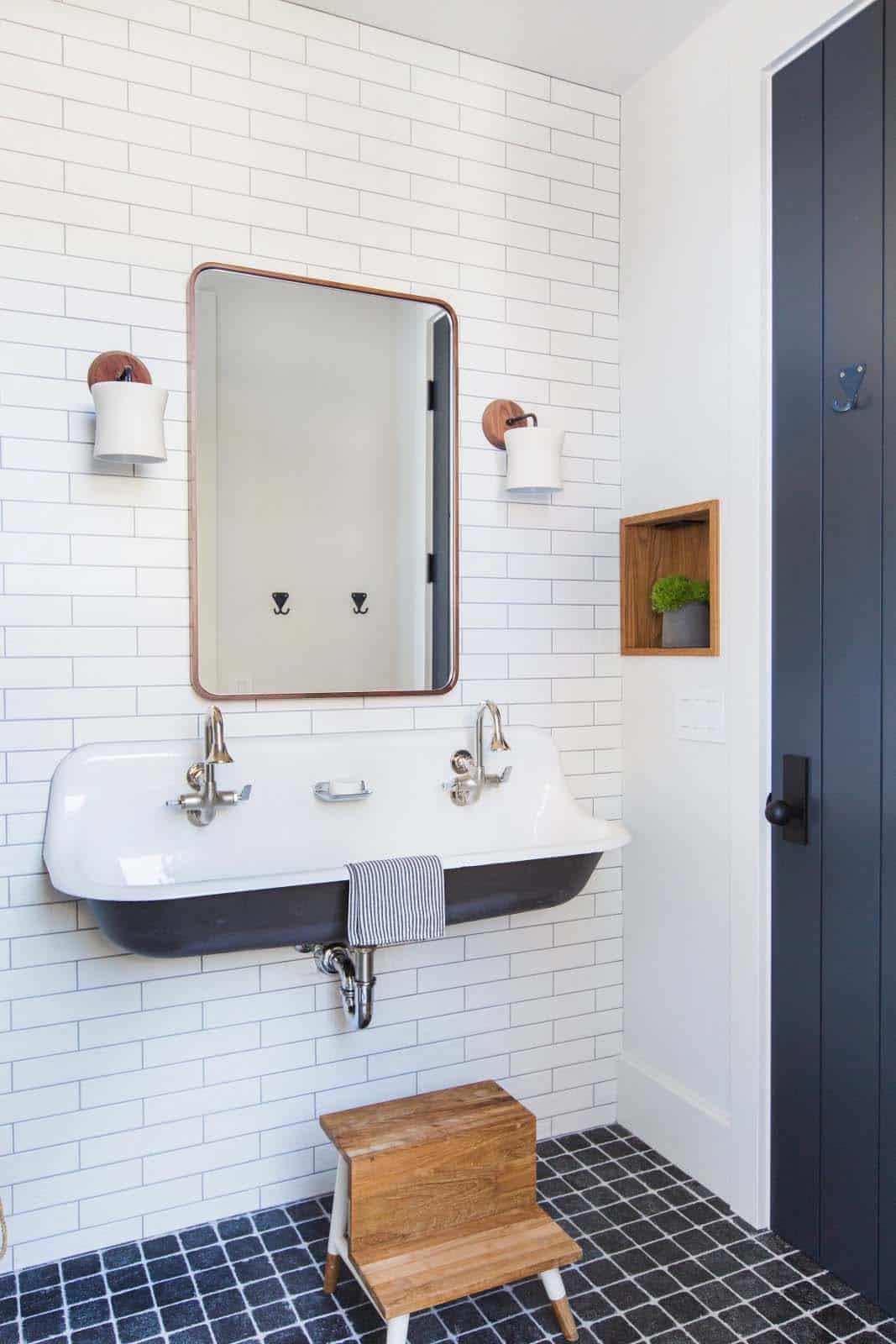 salle de bain de style côtier