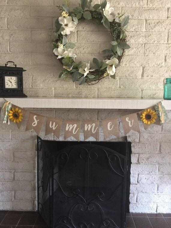 Bannière en toile de jute avec tournesol et guirlandes