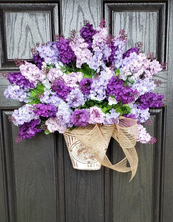Couronne de lilas élégants de différentes nuances