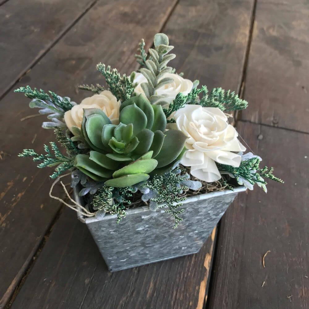Boîte à fleurs en bois tendre et en faux succulente personnalisable