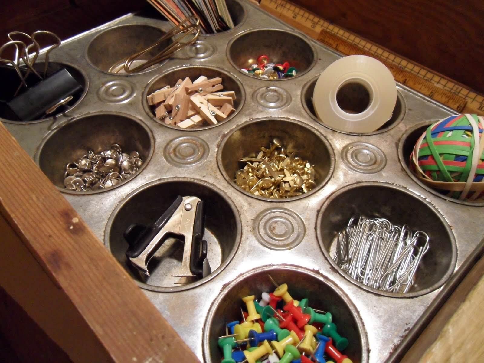 Organisateur d'artisanat en étain à muffins réutilisé