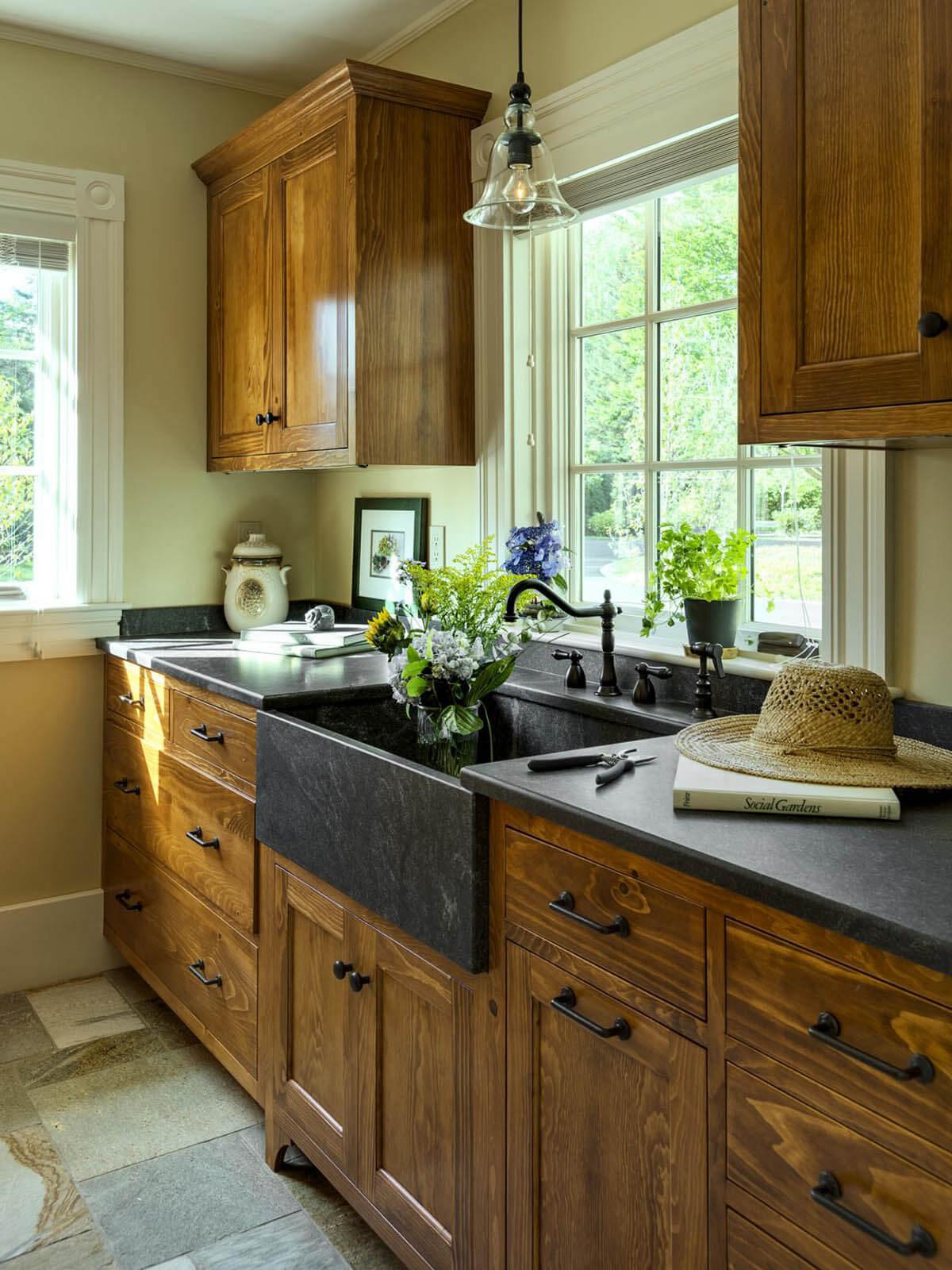 Armoires en bois simples Country Cottage