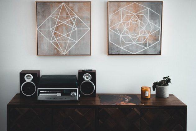 Trois façons de faire en sorte que l'art sur vos murs fonctionne vraiment comme un élément de design