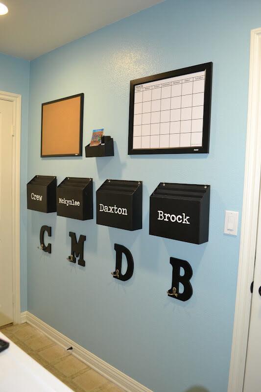 Un design minimaliste avec des boîtes aux lettres pratiques