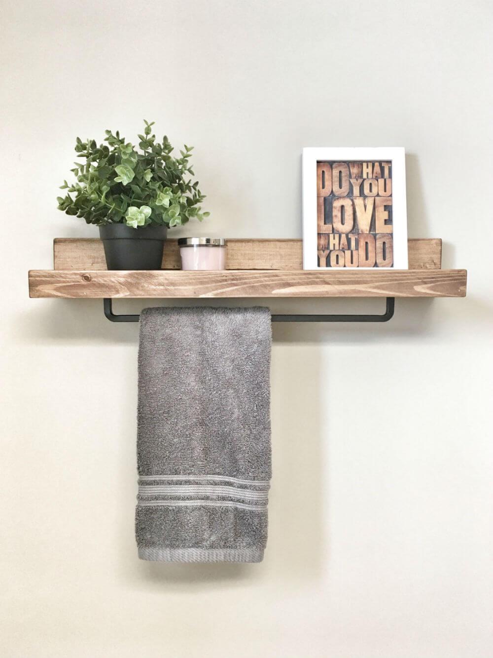 Étagère flottante en bois avec porte-serviettes en fer