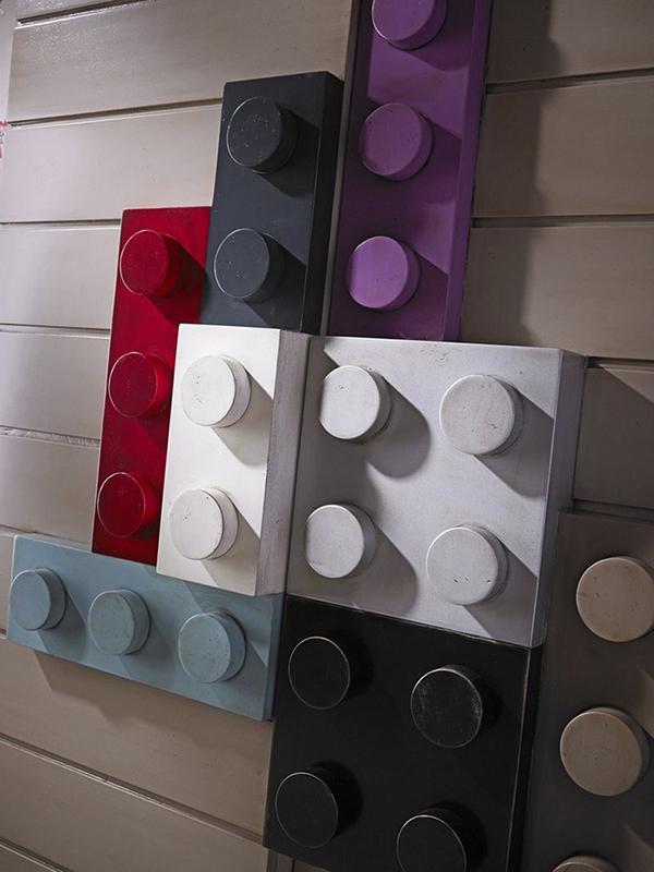 Conception de meubles LEGO