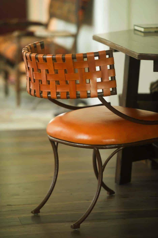 fin de semaine-maison-rustique-chaise-detail