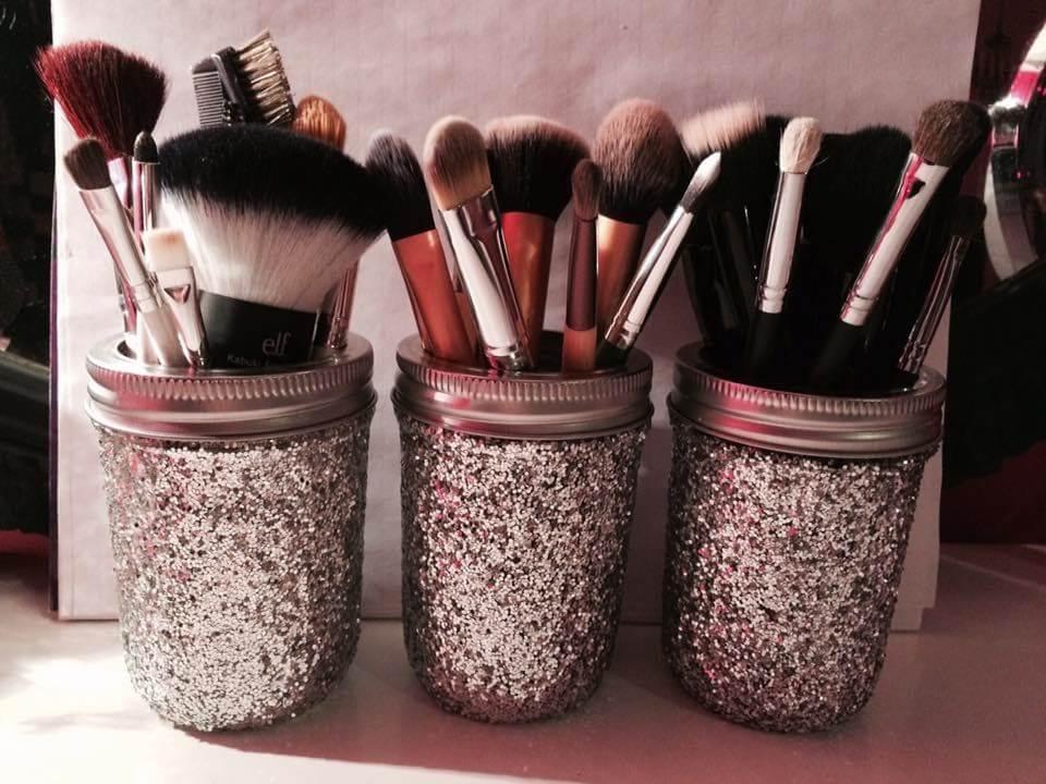 Gardez vos pinceaux de maquillage organisés