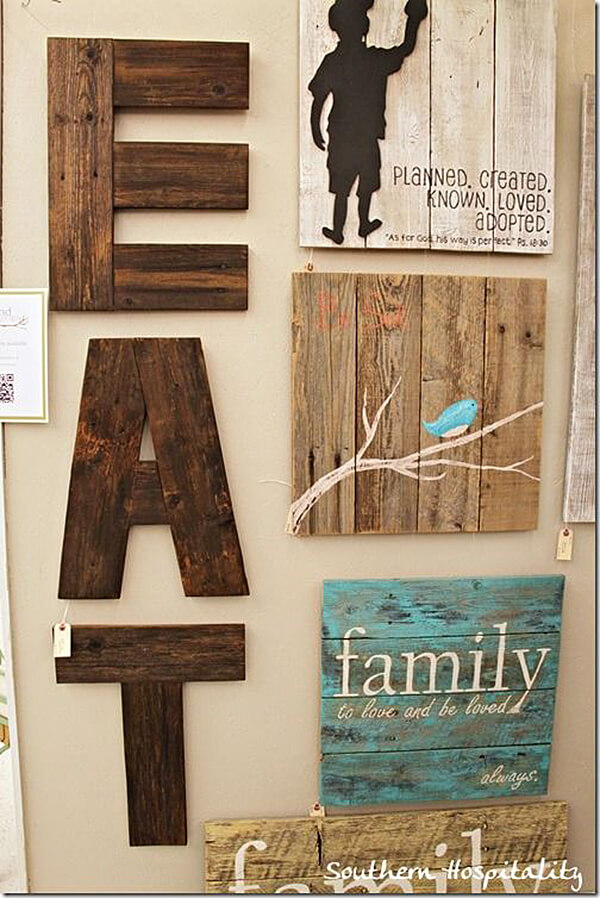 Décor rustique avec de vraies planches de bois