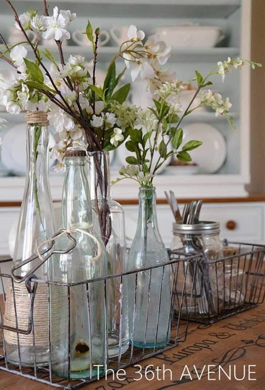 Une pièce maîtresse fonctionnelle avec des brins de fleurs