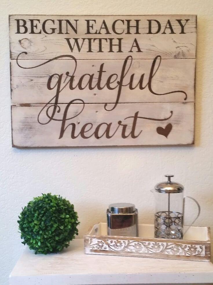 Un arrangement simple avec un message de gratitude
