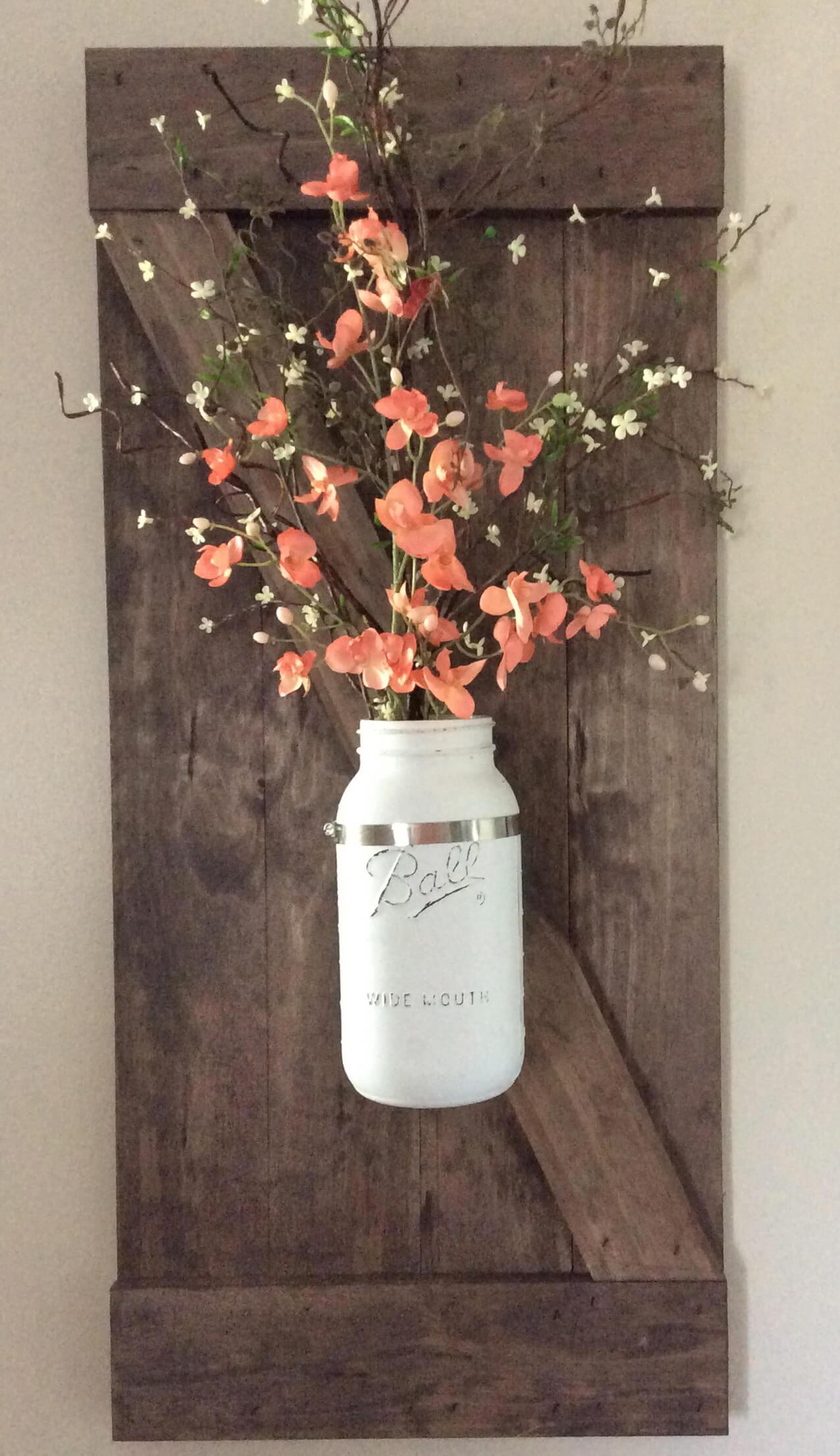 Magnifique décor de fleurs en pot Mason peint