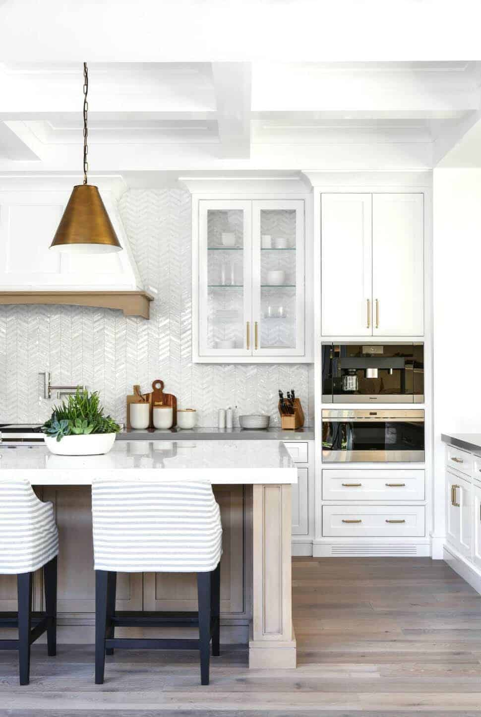 Beach Style Home-Brandon Architects-12-1 Kindesign