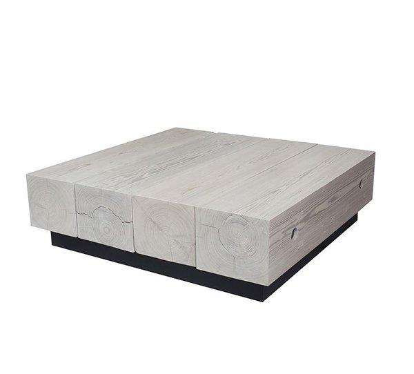 Table basse de poutre récupérée avec finition blanchie à la chaux