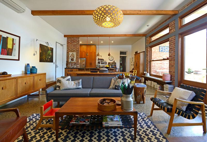 maison moderne du milieu du siècle