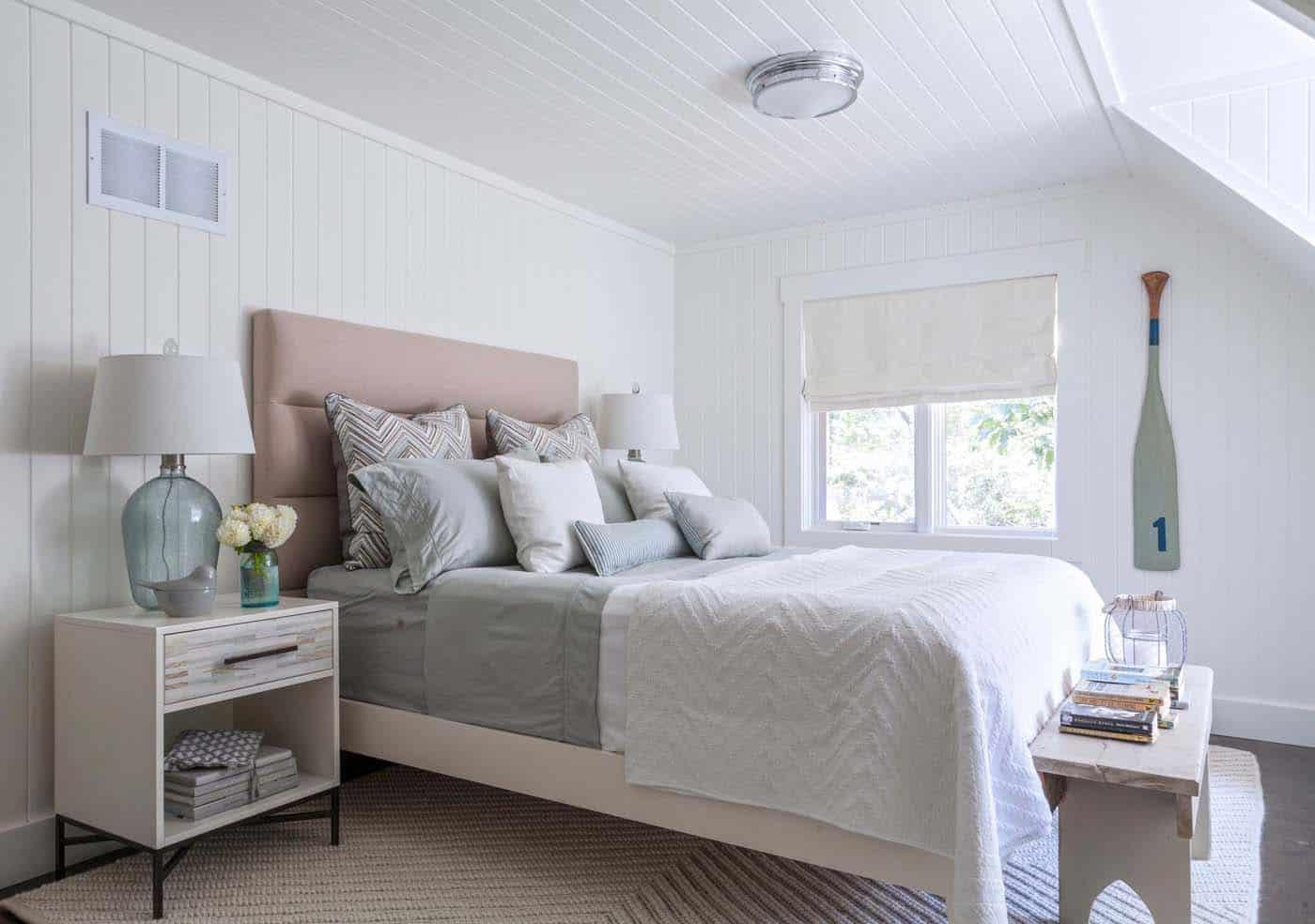 Beautiful Muskoka Beach Cottage-Nest Design Studio-15-1 Kindesign