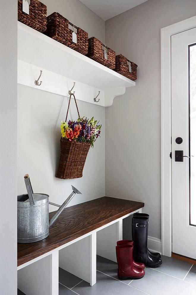 Décor contemporain et simple de vestiaire