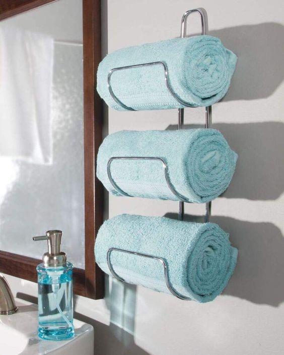 un porte-serviettes mural élégant fixé par l'évier change la vie et économisera beaucoup d'espace