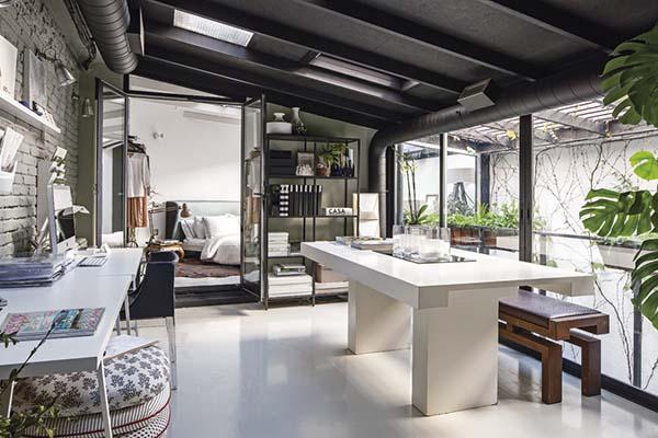 bureau à domicile spacieux