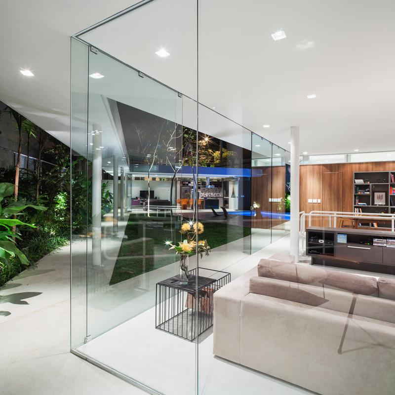 Mur de verre Central Courtyard House