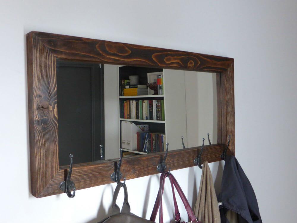 Miroir rustique et porte-manteau combinés
