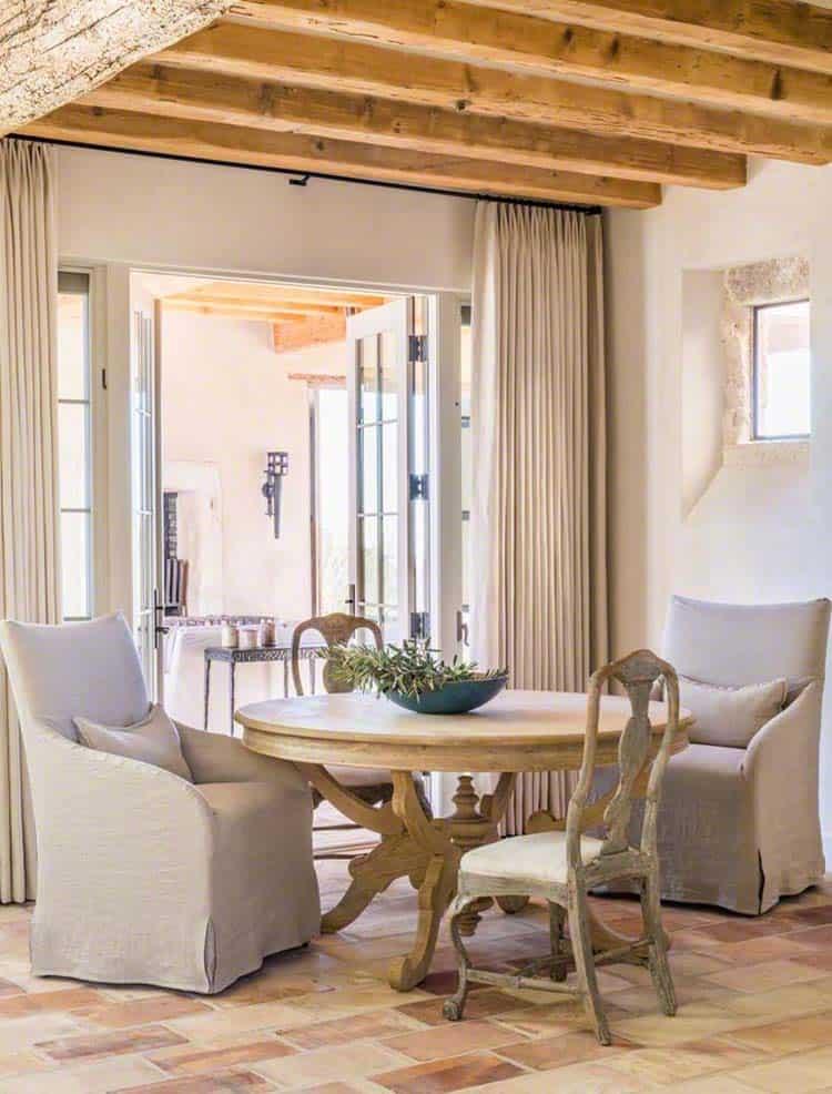 Cour méditerranéenne Home-Oz Architects-14-1 Kindesign
