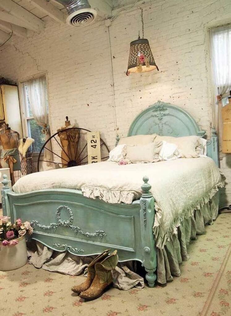Cadre de lit en bois peint bricolage