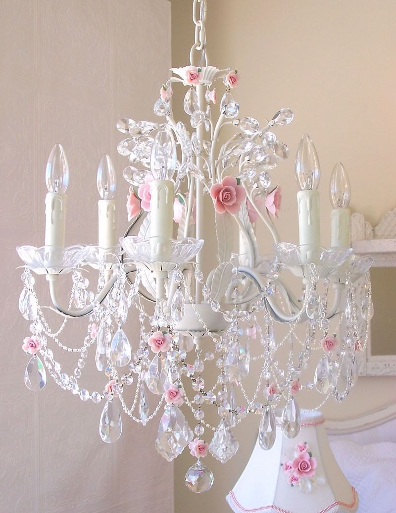 Joli lustre rose et rose blanche