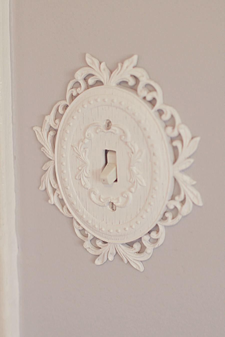 Plaque d'interrupteur de lumière d'aspect antique