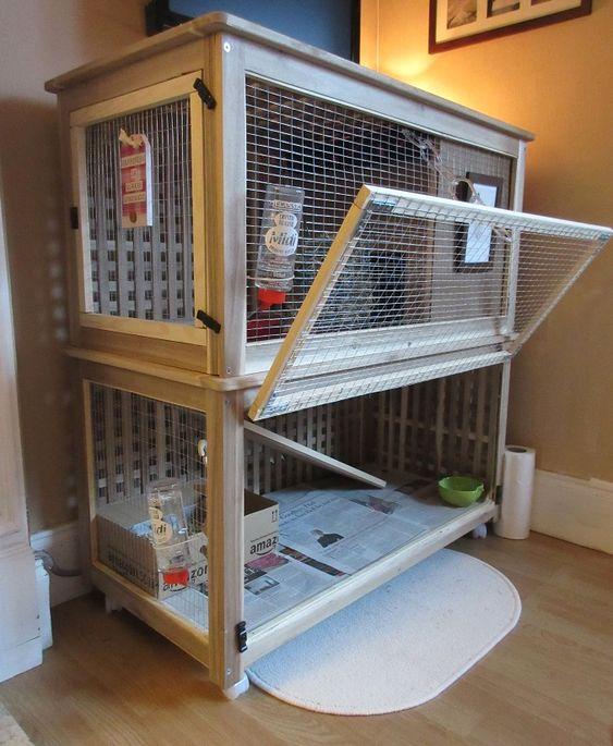 un palais de lapin fait de cages et de table IKEA Hol est un hack cool pour les amoureux des animaux