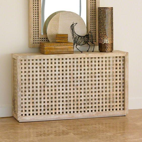 une table console faite d'une table IKEA Hol est une idée créative et cool qui est facile à bricoler
